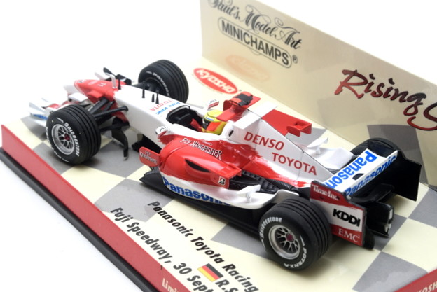 Minichamps _Panasonic Toyota Racing Showcar Fuji Speedway, 30 September 2007 Ralf SCHUMACHER_005