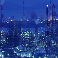 写真: Factory in the twilight