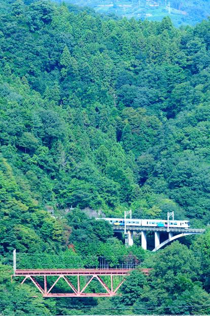 大呼戸橋梁を渡るE257系中央線特急あずさ号