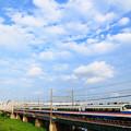 堀切橋を渡るAE100型京成シティライナー号