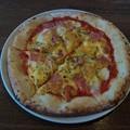 Photos: 鏡石町のナストロさんでピッツァ(気まぐれ) 卵とハムとゴルゴンゾーラチーズのピッツァでし