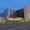 写真: 解体が進む、春日井の国道19号の旧・イズモ葬祭の建物 - 1