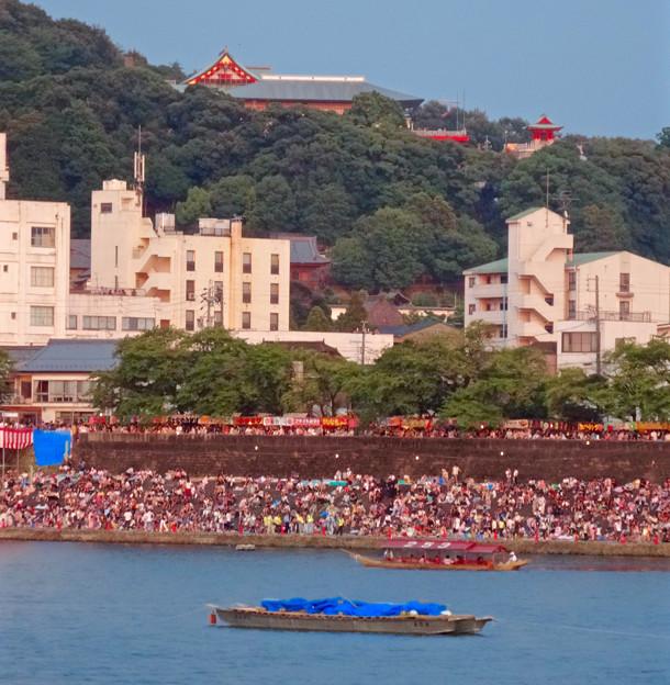 日本ライン夏まつり納涼花火大会 2015 No - 75:木曽川沿いに集まった沢山の人たちと犬山成田山