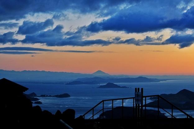 Photos: 朝熊山から富士展望