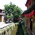 水路沿いのカフェ