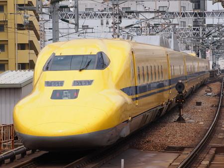 ドクターイエロー 東海道新幹線新大阪駅05