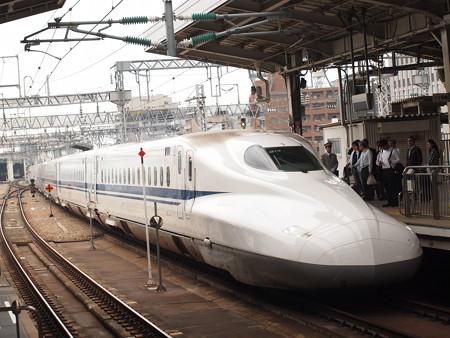 N700系のぞみ 山陽新幹線新大阪駅01