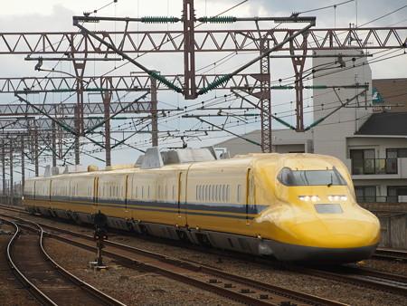 ドクターイエロー 山陽新幹線西明石駅