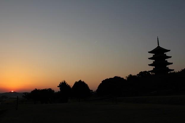 備中国分寺 五重塔 と 夕陽
