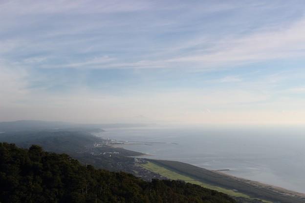 弥彦山グライダー基地からの眺め