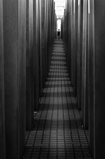 ユダヤ人犠牲者記念館1