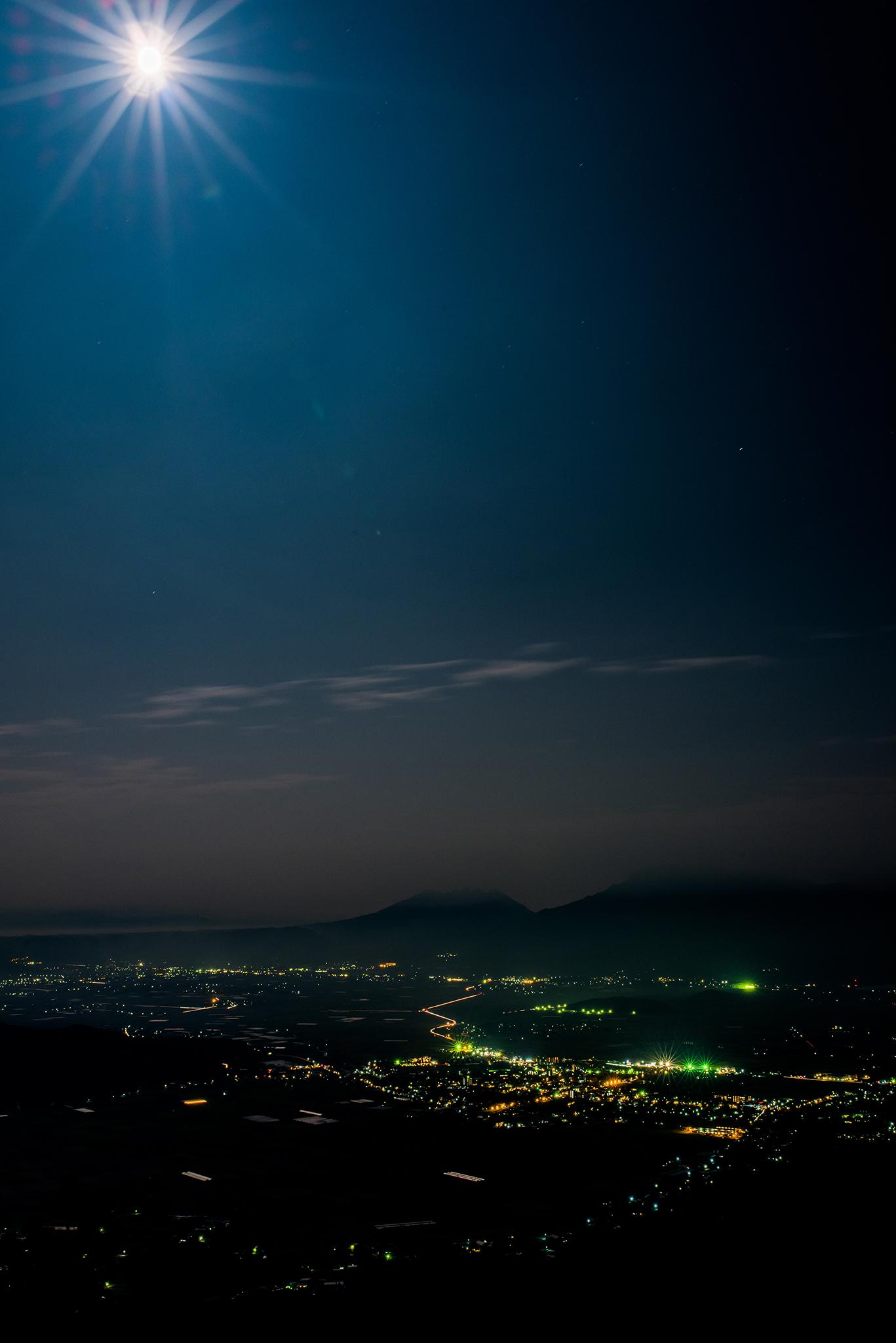 月と夜景@阿蘇