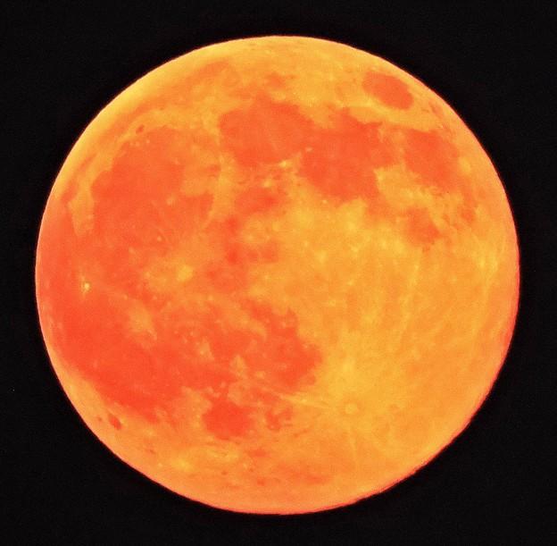 真夏に見る月・・満月(十六夜)  07:31