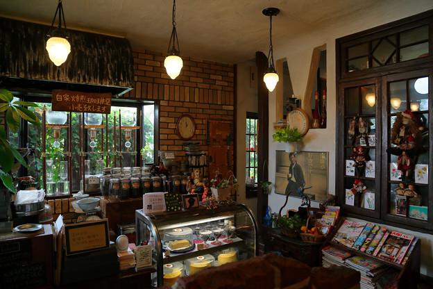 ある有名画家の画のある喫茶店 1