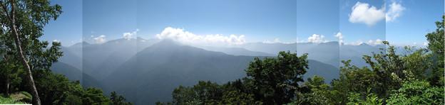 写真: 南アルプス南部の山々