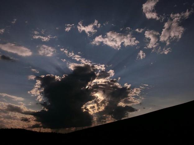 Photos: 聖飢魔II....黒い雲と光