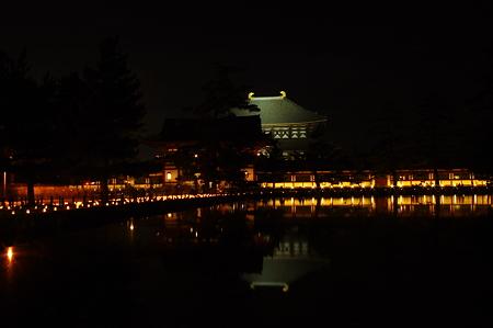 東大寺大仏殿の夜景