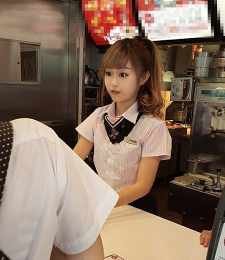 台湾で大人気の癒しの店員さんッ(笑) 今日の気になる小姐 8-28 (4)