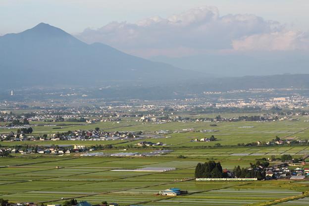 会津盆地 田植えの頃