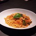 Photos: 海老とインゲンのピリ辛トマトソースピチ
