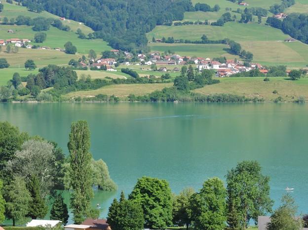 グリュイエール湖