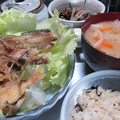 Photos: 釣果素揚げ、大根の味噌汁、ひじき煮、ひじきご飯(2015_09_06朝食)