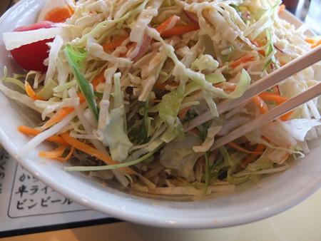 麺爆怒門 冷爆ラーメン(夏季限定)野菜増し 盛り付けの様子