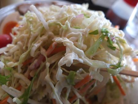 麺爆怒門 冷爆ラーメン(夏季限定)野菜増し 具材の様子