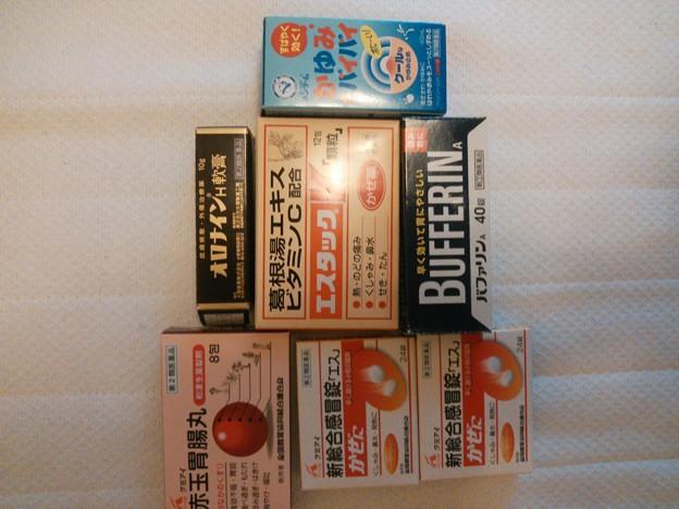 写真: 日本製の医薬品(未開封)