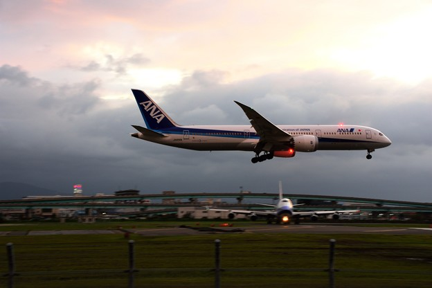 747&787