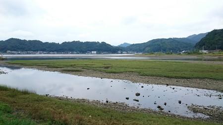 ド干潮のドブ川河口