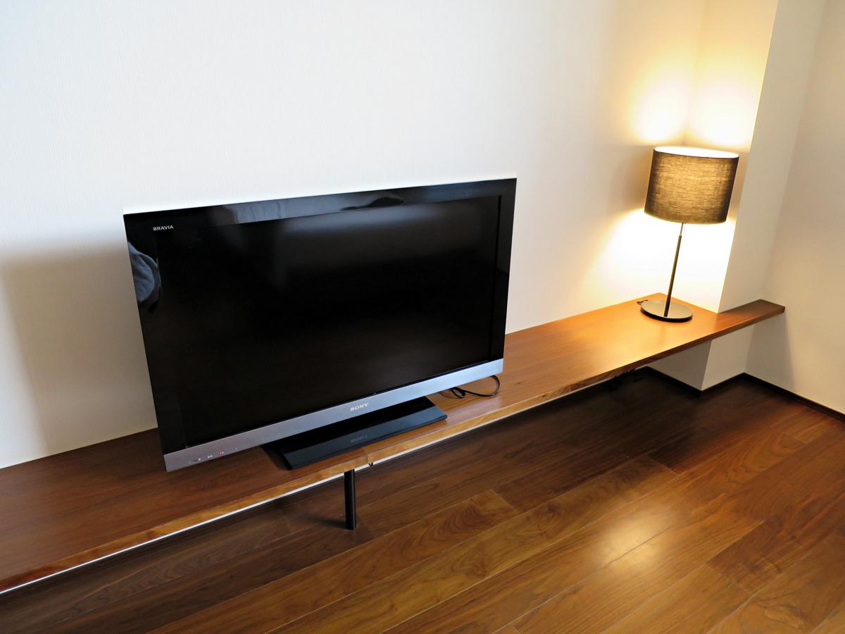 ベッドルームのテレビ