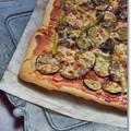 写真: 常備菜で作ったズッキーニとマッシュルームのピザ