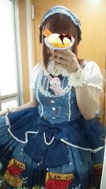今日のお出かけで着た服。メタモのマーメイドプリンセスペプラムJSKコーデヽ(・∀・)ノ デザインがとっても可愛いしプリントもとってもいい感じ(*´ω`*)