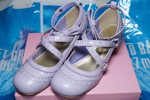 靴も欲しかったので狙ってたら奇跡的にサイズがあったので購入。メタモのスワンリボンシューズ。70%オフ(°▽°)