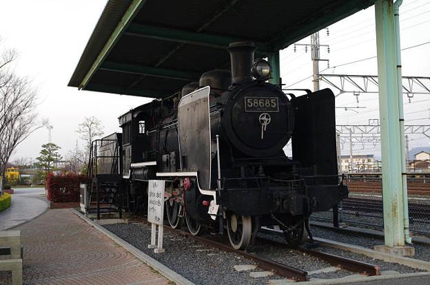 s7260_58685号機関車_多度津駅前