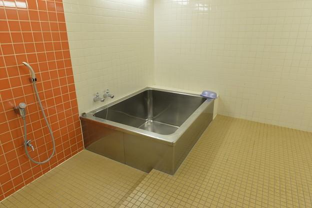 東の支度部屋の近くにある風呂