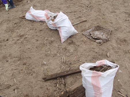 山元町 がれき撤去作業 ゴミの分別