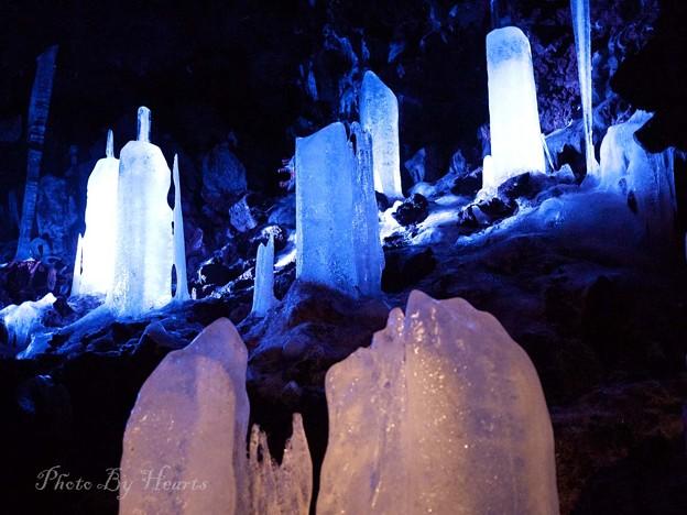 鳴沢氷穴天然氷