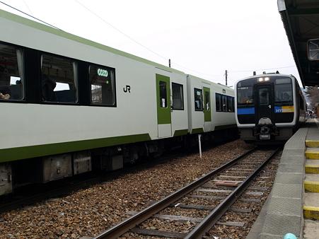 キハ110系とキハE200(野辺山駅)1