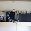 写真: 無線親機(WZR-HP-G302H) と 回線終端装置(PR-400NE)