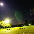 Photos: 月が照らす広場