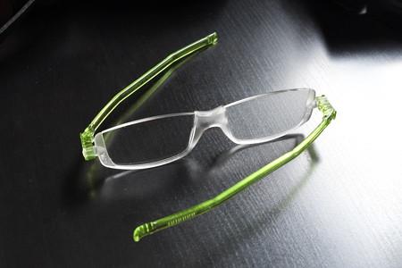 2015.06.30 机 老眼鏡