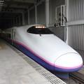 仙台14番にて発車待つE2系J67編成やまびこ146号
