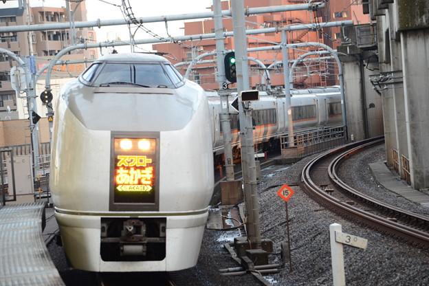 Photos: 651系特急スワローあかぎ1号赤羽4番入線