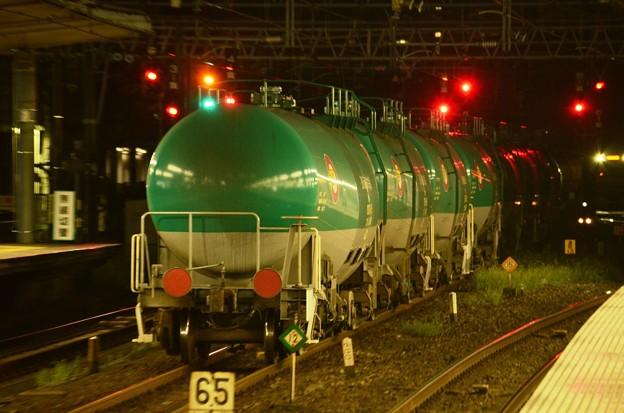 緑のタキ1000石油返空貨物大宮5番発車