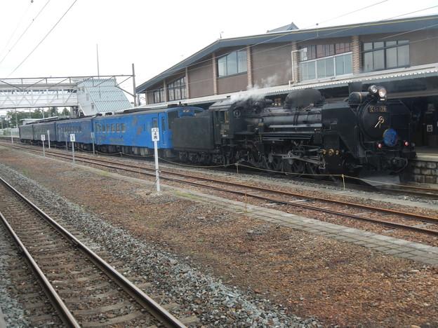 C58 239 with [ SL Ginga ] train