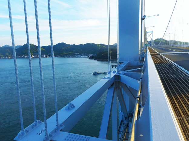 布刈の瀬戸に架かる橋~しまなみ海道・因島大橋~