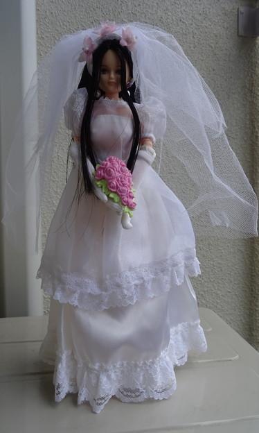 ウェディングドレス(スウィートメモリアル)を着たREINA