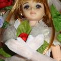入棺体験中のファーストジェニー(ファッションコレクション ウェディング6/アップ)